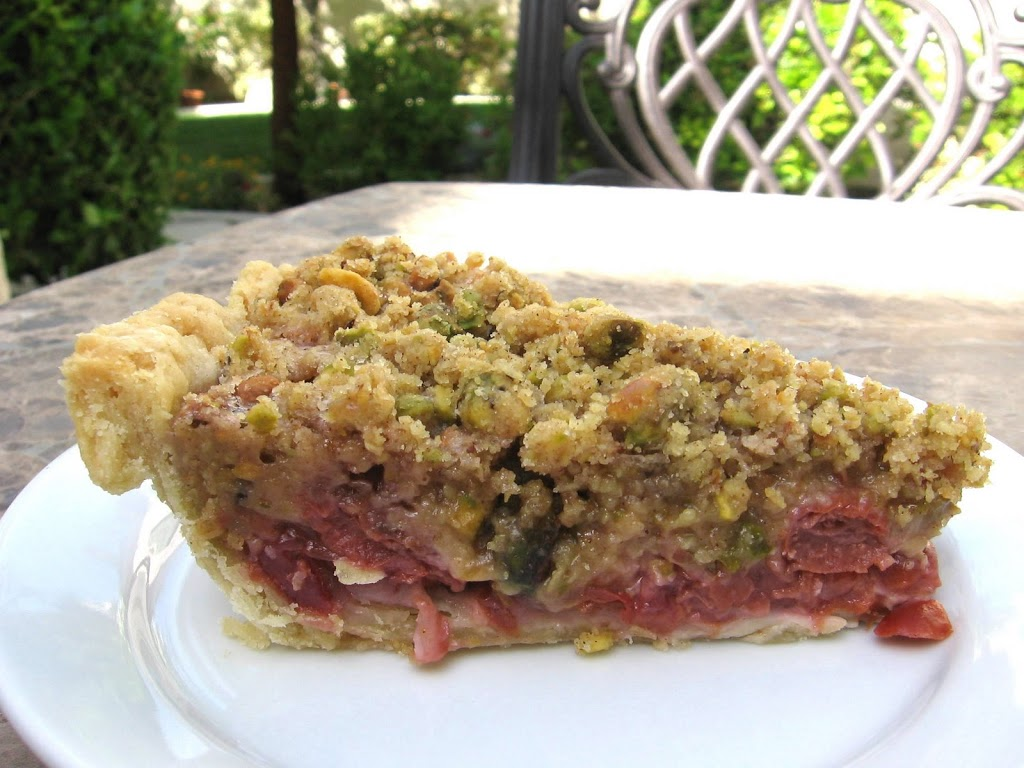 cherry pie with streusel topping
