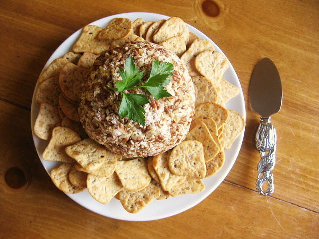 a delicious classic christmas cheese ball recipe