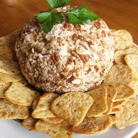 pineapple and green pepper christmas cheese ball