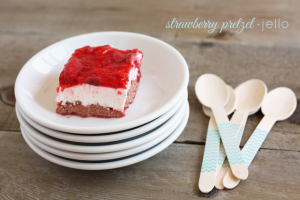 strawberry-pretzel-jello