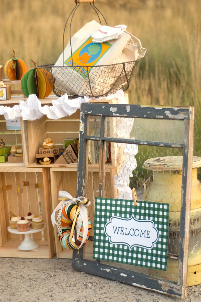 farm harvest dinner party fall decor projects