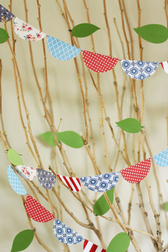 simple paper garland holiday decorations