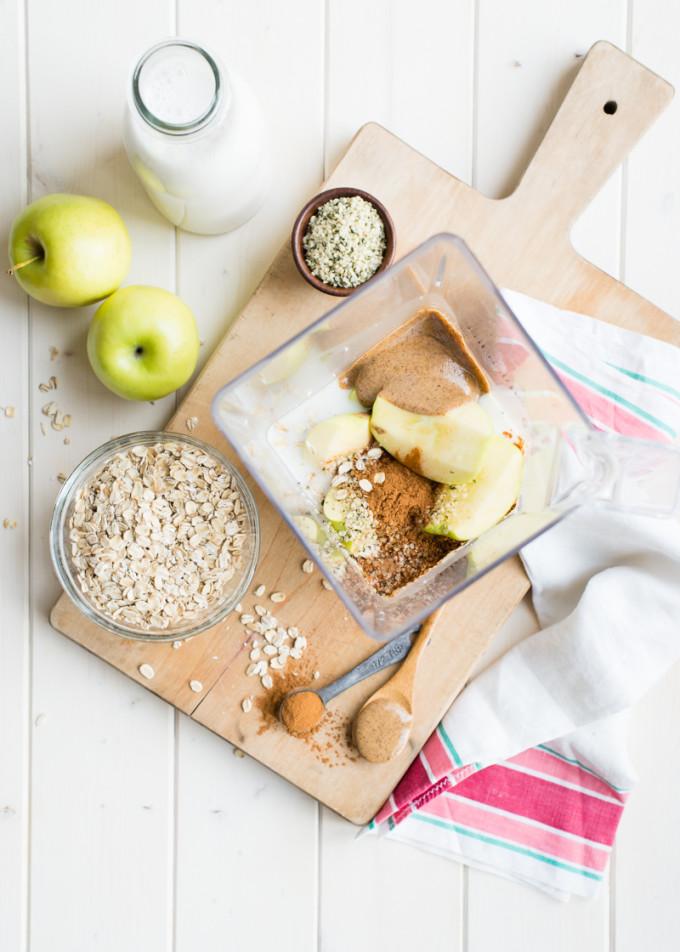Apple n Oats Breakfast Smoothie
