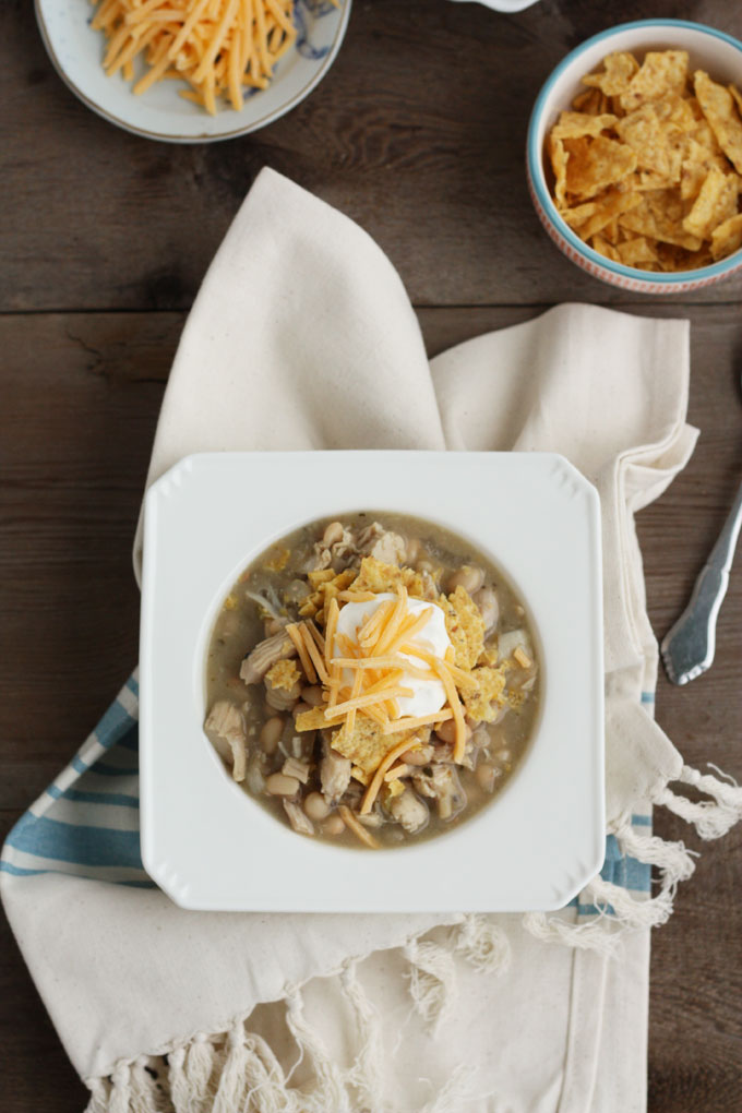 Slow-Cooker Smoky Chicken & White Bean Chili