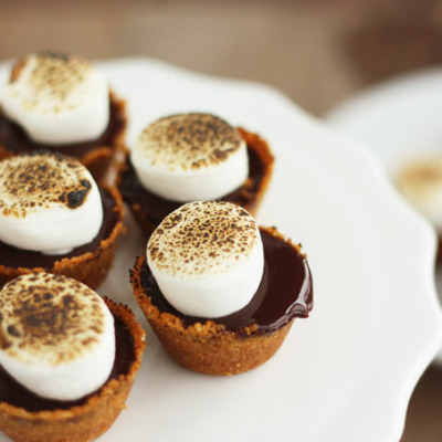 mini s'mores pies