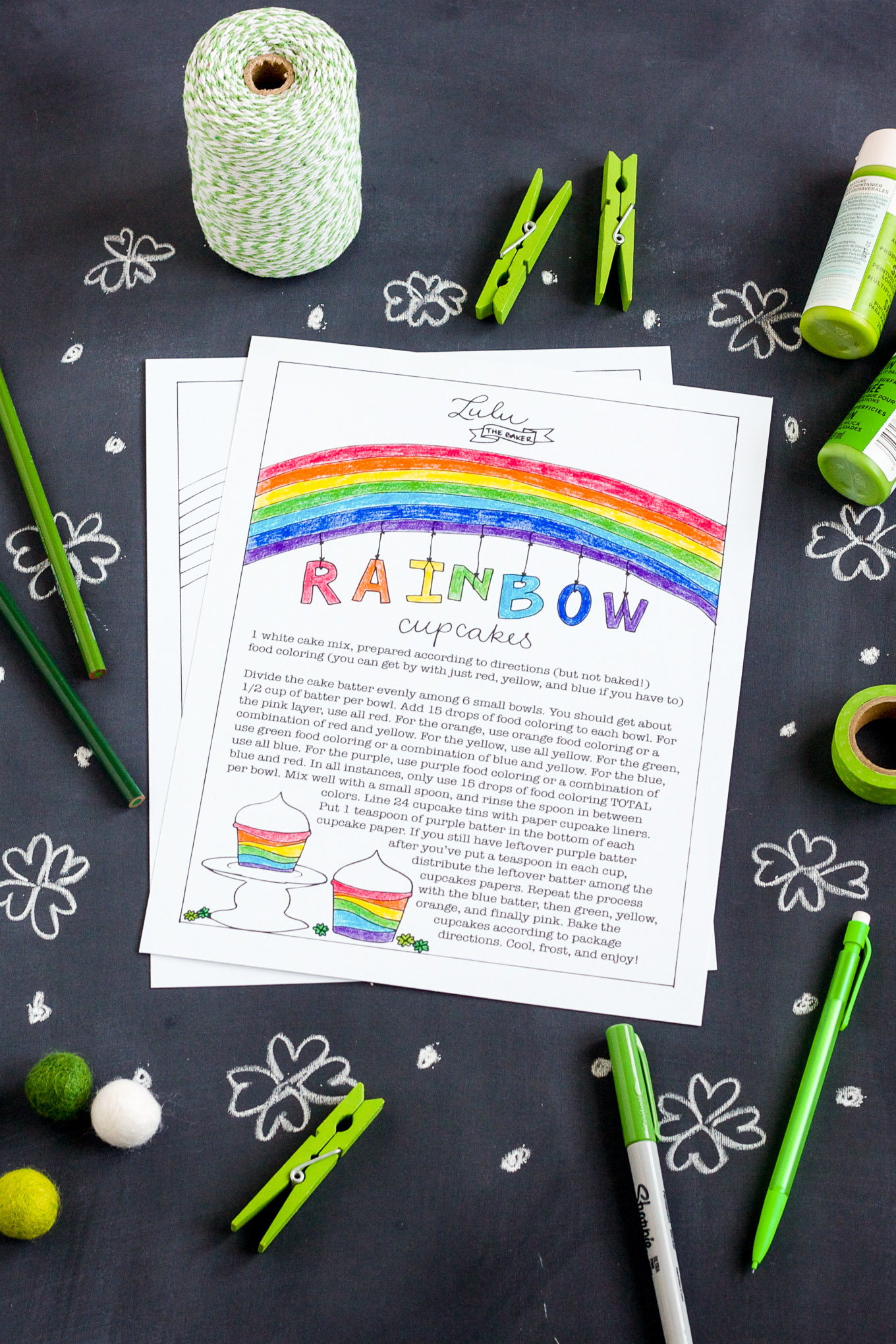 A rainbow cupcakes coloring page to download and print