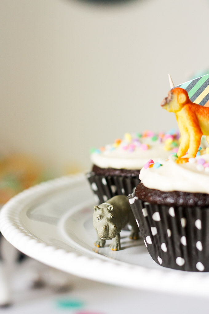 Decor and party ideas for a cute animal-themed birthday party