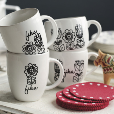 Use a simple image transfer technique to make these darling mugs from Scandinavian Gathering by Melissa Bahen.