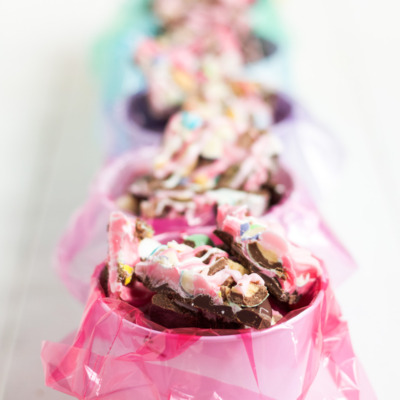 Make this yummy white chocolate Easter candy bark!