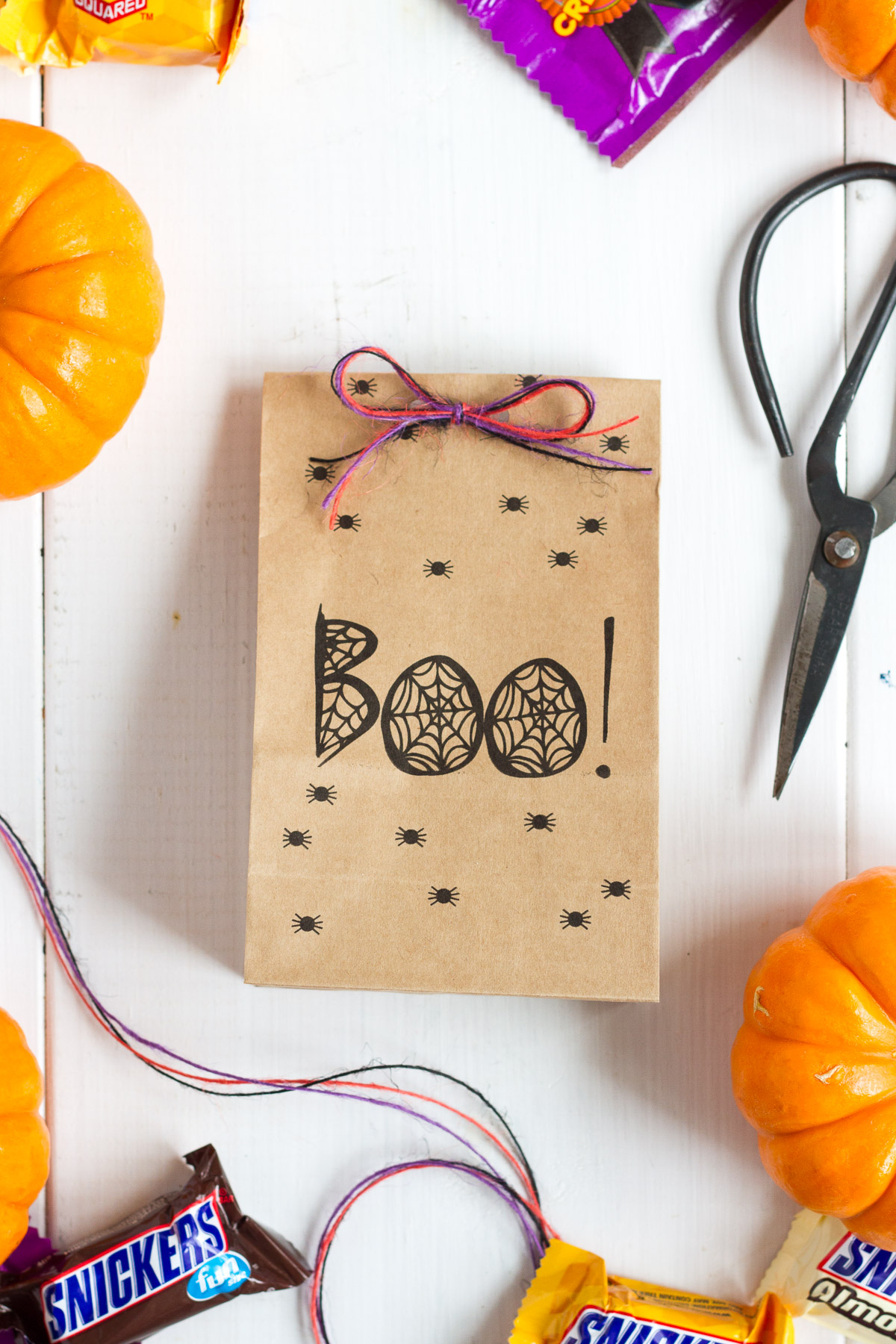 These free printable halloween treat bags are an easy and festive DIY!