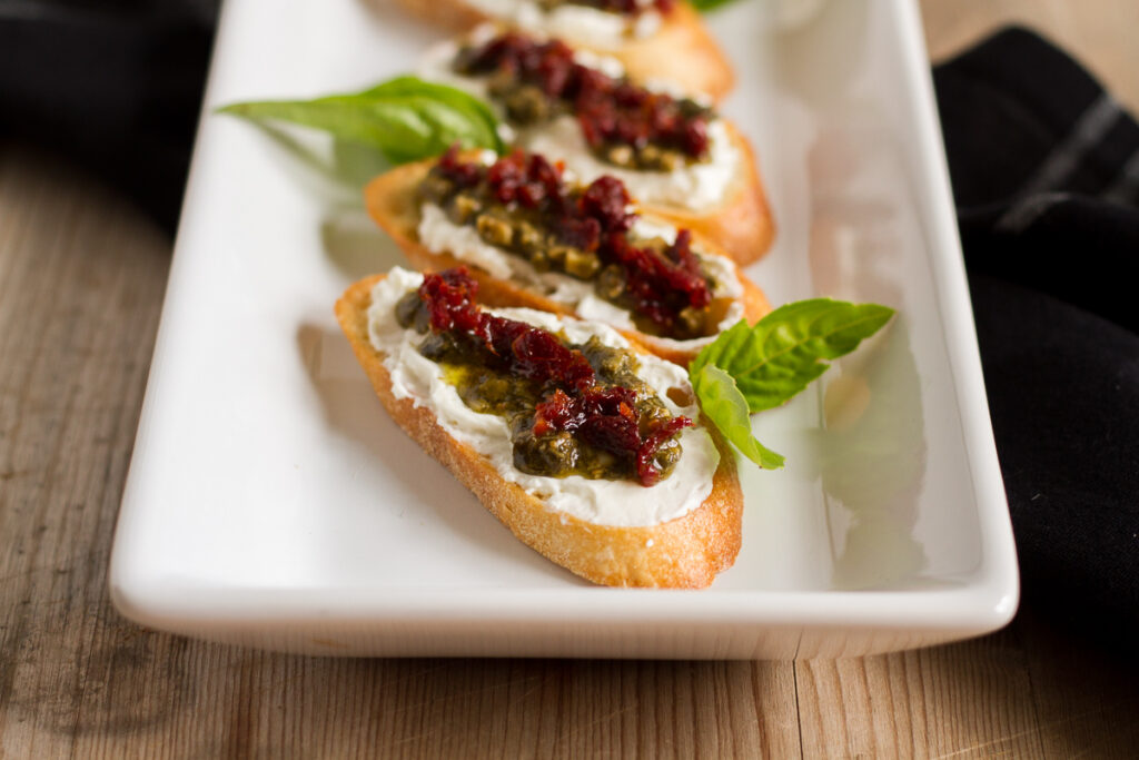 sundried tomato pesto crostini are perfect for the holidays