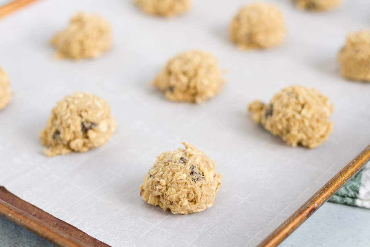 You'll love these delicious oatmeal cookies with chocolate chips and toffee bits
